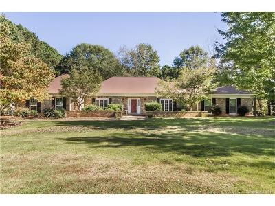 Waxhaw Single Family Home For Sale: 668 Cottonfield Circle