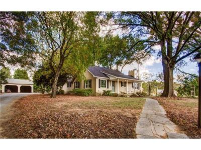 Monroe Single Family Home For Sale: 5517 Highway 218 Highway