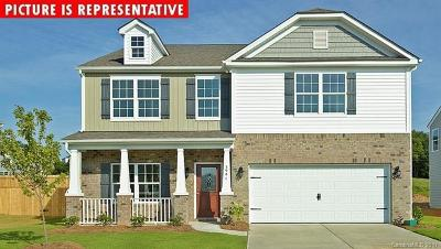 Mount Holly Single Family Home For Sale: 101 Meadow Stream Drive #76