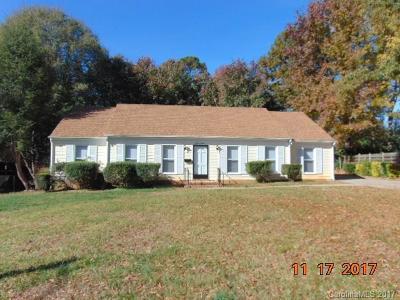 Charlotte Single Family Home For Sale: 1512 Cedarwood Lane