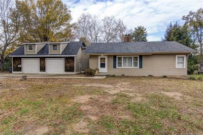 Huntersville Single Family Home For Sale: 15905 Sunset Drive