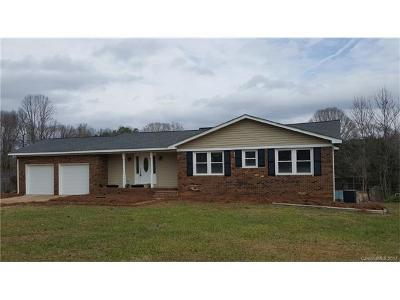 Badin Lake, New London Single Family Home For Sale: 44424 Field Road