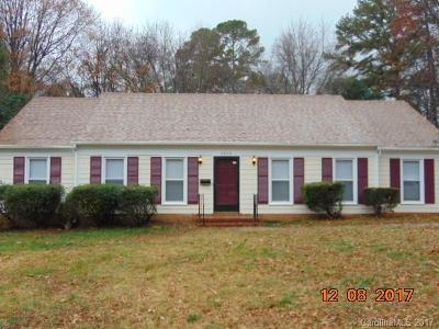 Charlotte Single Family Home For Sale: 1512 Cedarwood Lane