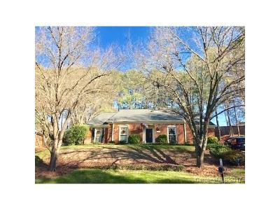 Charlotte Single Family Home For Sale: 9929 Laurel Lake Lane