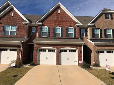 Mooresville Condo/Townhouse For Sale: 105 Burlingame Court #15