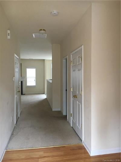 Fort Mill Condo/Townhouse Under Contract-Show: 1121 Geyser Court
