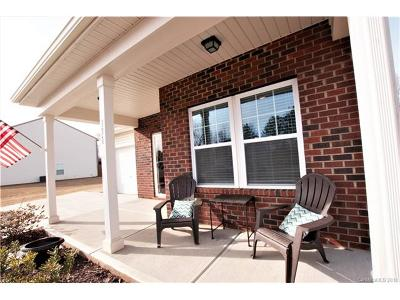 York Single Family Home For Sale: 131 Austen Lakes Drive