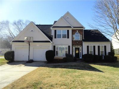 Charlotte Single Family Home For Sale: 11201 Golden Drive