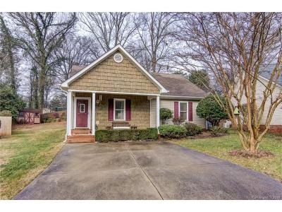 Charlotte Single Family Home For Sale: 2200 Olde Chantilly Court