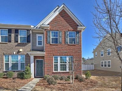 Harborside, Jetton Cove, Westmoreland Condo/Townhouse Under Contract-Show: 18426 W Catawba Avenue