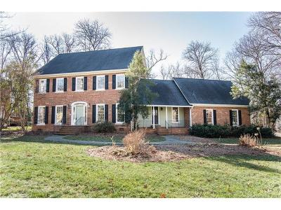 Charlotte Single Family Home For Sale: 9832 Warwick Circle