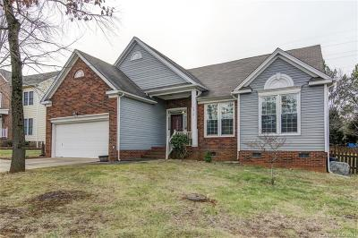Charlotte Single Family Home For Sale: 4916 Chestnut Knoll Lane