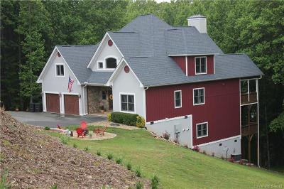 Hendersonville Single Family Home For Sale: 3012 Hickory Nut Trail
