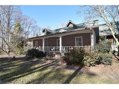 Indian Trail Single Family Home For Sale: 4825 Pioneer Lane