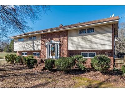 Single Family Home For Sale: 2114 Oak Park Road