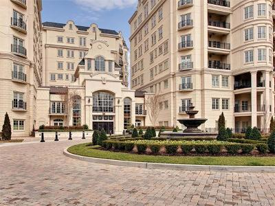 Charlotte Condo/Townhouse For Sale: 2823 Providence Road #142