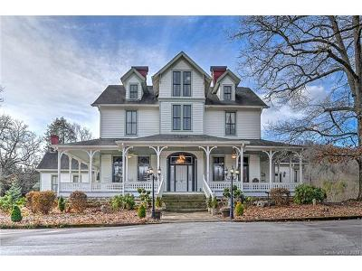 Hendersonville Single Family Home For Sale: 1109 White Pine Drive