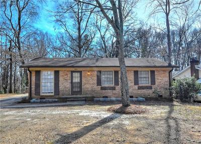 Charlotte Single Family Home For Sale: 924 Carrington Drive