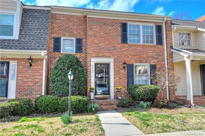 Charlotte Condo/Townhouse For Sale: 6632 Bunker Hill Circle
