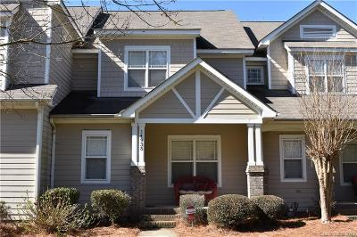 Huntersville Condo/Townhouse Under Contract-Show: 14935 Alexander Place Drive #7