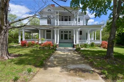Single Family Home Under Contract-Show: 305 Maurice Street