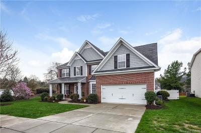 Single Family Home Under Contract-Show: 15007 Taylor Ridge Lane