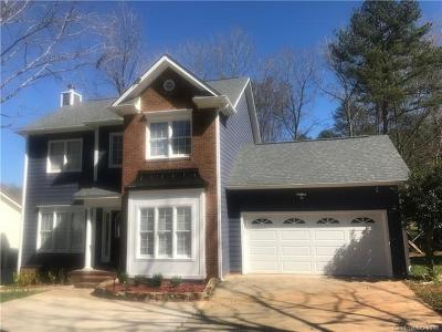 Matthews Single Family Home For Sale: 2806 Windsor Chase Drive