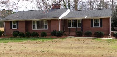 Clover, Lake Wylie Single Family Home For Sale: 6785 Oakridge Road