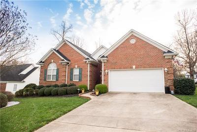 Gastonia Single Family Home For Sale: 2713 Firethorn Court