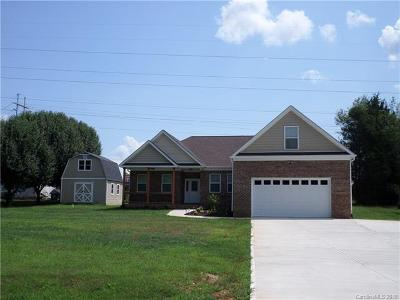 Mooresville Single Family Home For Sale: 135 Charleston Drive #4