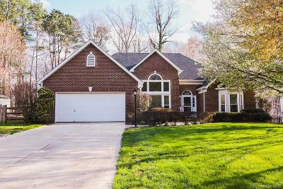 Matthews Single Family Home Under Contract-Show: 1813 Cloudburst Drive