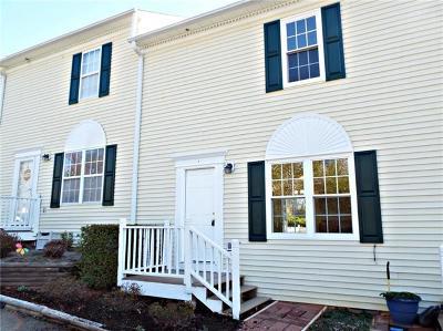 Hickory Condo/Townhouse For Sale: 1067 19th Street NE #E
