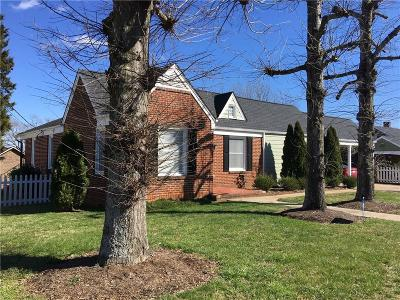 Caldwell County, Alexander County, Watauga County, Avery County, Ashe County, Burke County Single Family Home For Sale: 27 Forest Avenue