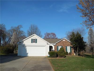 Charlotte Single Family Home For Sale: 7952 Travers Run Drive