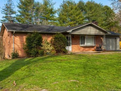 Hendersonville NC Single Family Home For Sale: $200,000