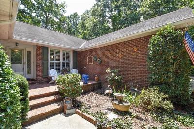 Mooresville Single Family Home For Sale: 422 Presbyterian Road