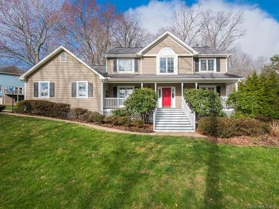Weaverville Single Family Home For Sale: 4 Forest Knoll Drive