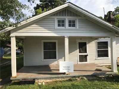 Single Family Home For Sale: 415 E Grover Street