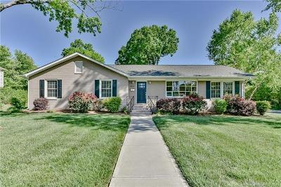 Single Family Home For Sale: 829 Bridlepath Lane