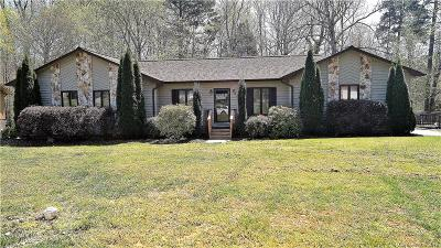 Mooresville Single Family Home For Sale: 842 Hunter Drive