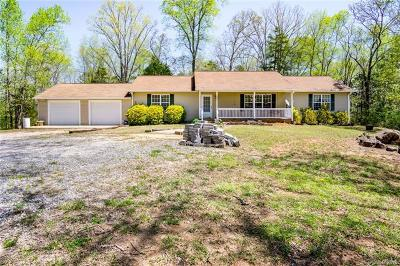 Single Family Home For Sale: 330 Orindawood Drive