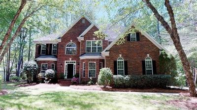 Matthews Single Family Home For Sale: 8033 Lake Providence Drive