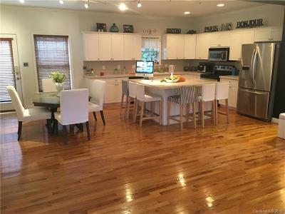 Charlotte Condo/Townhouse For Sale: 7004 Walnut Ridge Court #uni 2D1
