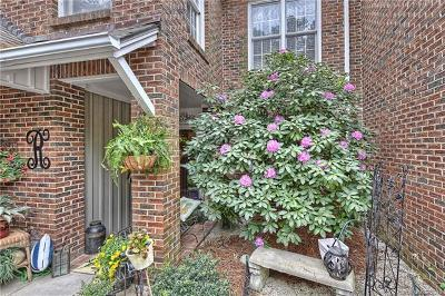Monroe Condo/Townhouse For Sale: 806 Colony Oaks Drive #B