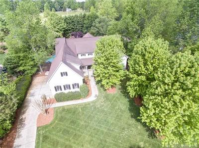 Waxhaw Single Family Home For Sale: 8437 Cheverny Drive