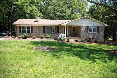 Mount Holly Single Family Home Under Contract-Show: 105 Underwood Drive