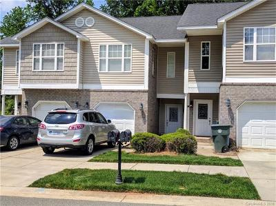 Mooresville Condo/Townhouse For Sale: 118 Sherman Oaks Lane