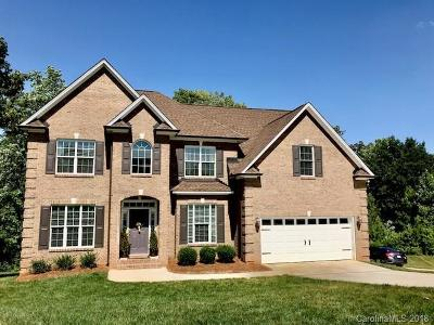 Gastonia Single Family Home For Sale: 5506 Thistlebrook Court