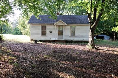 Conover NC Single Family Home For Sale: $38,000