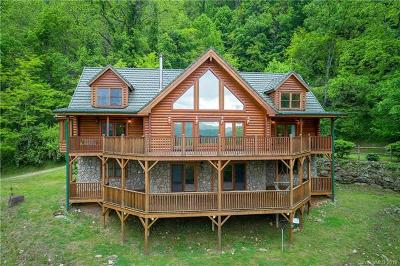 Waynesville Single Family Home For Sale: 334 Abbeys Cove Road